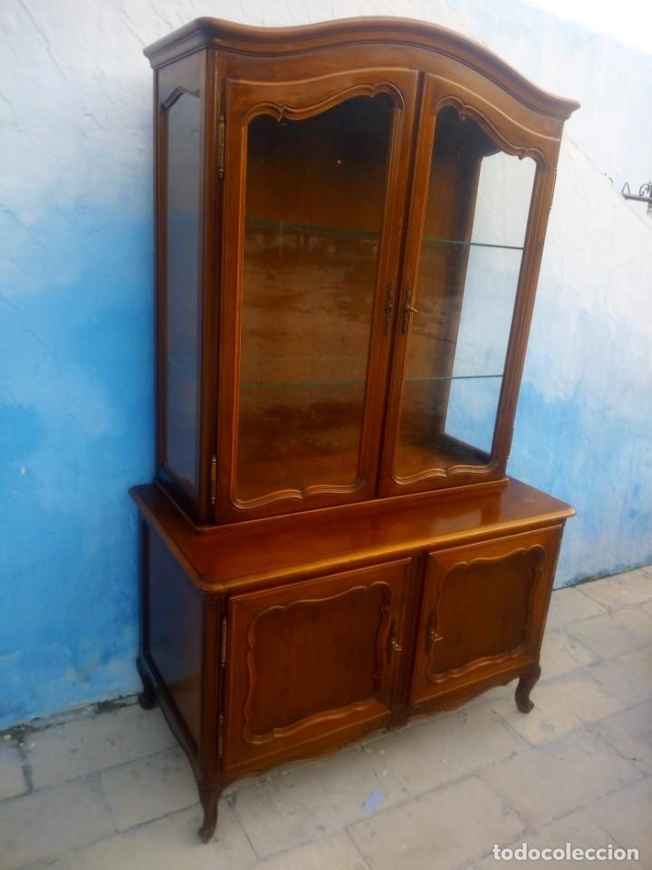 Antigüedades: Antigua vitrina isabelina,madera de caoba,patas torneadas y talladas.años 10/20,francesa. - Foto 3 - 191244196