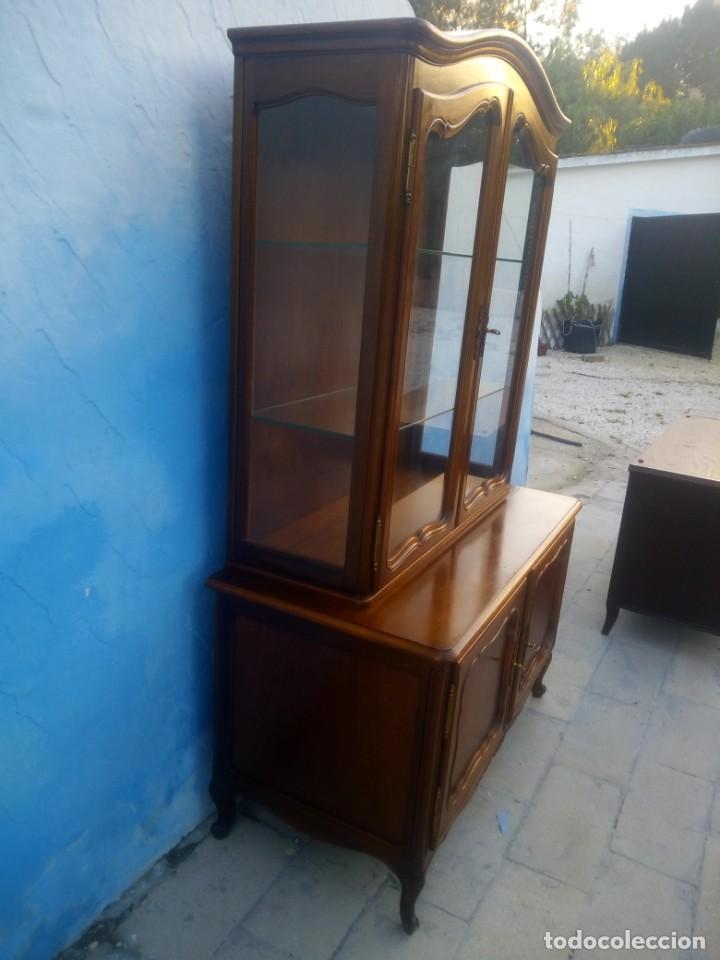 Antigüedades: Antigua vitrina isabelina,madera de caoba,patas torneadas y talladas.años 10/20,francesa. - Foto 4 - 191244196