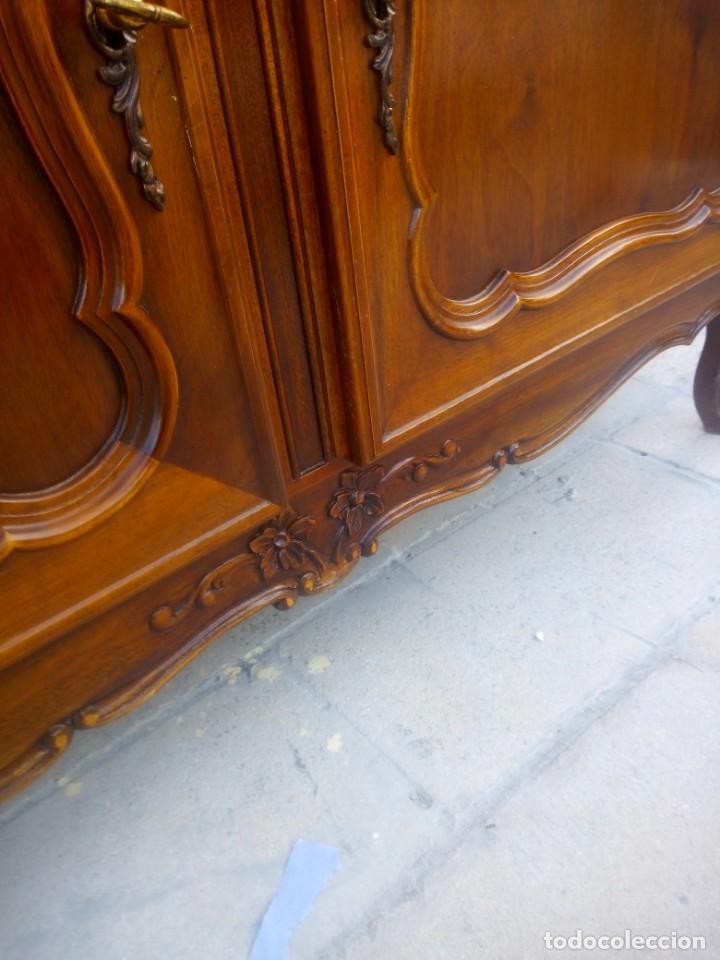 Antigüedades: Antigua vitrina isabelina,madera de caoba,patas torneadas y talladas.años 10/20,francesa. - Foto 8 - 191244196