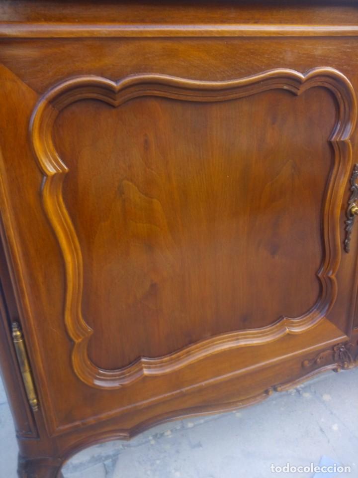 Antigüedades: Antigua vitrina isabelina,madera de caoba,patas torneadas y talladas.años 10/20,francesa. - Foto 10 - 191244196