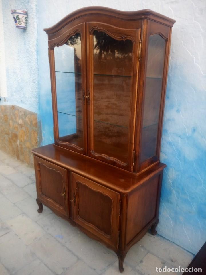 Antigüedades: Antigua vitrina isabelina,madera de caoba,patas torneadas y talladas.años 10/20,francesa. - Foto 15 - 191244196