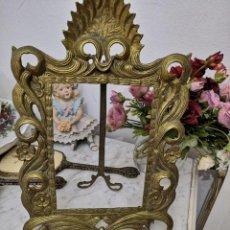 Antigüedades: MARCO FOTOS ESPEJO BRONCE MODERNISTA BRONCE. Lote 191274978