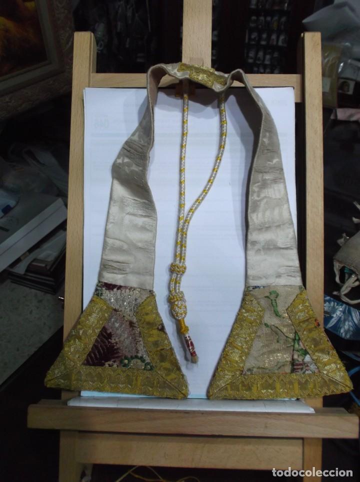 33 - MANIPULO SACERDOTAL ORO Y VARIOS TONOS (Antigüedades - Religiosas - Artículos Religiosos para Liturgias Antiguas)