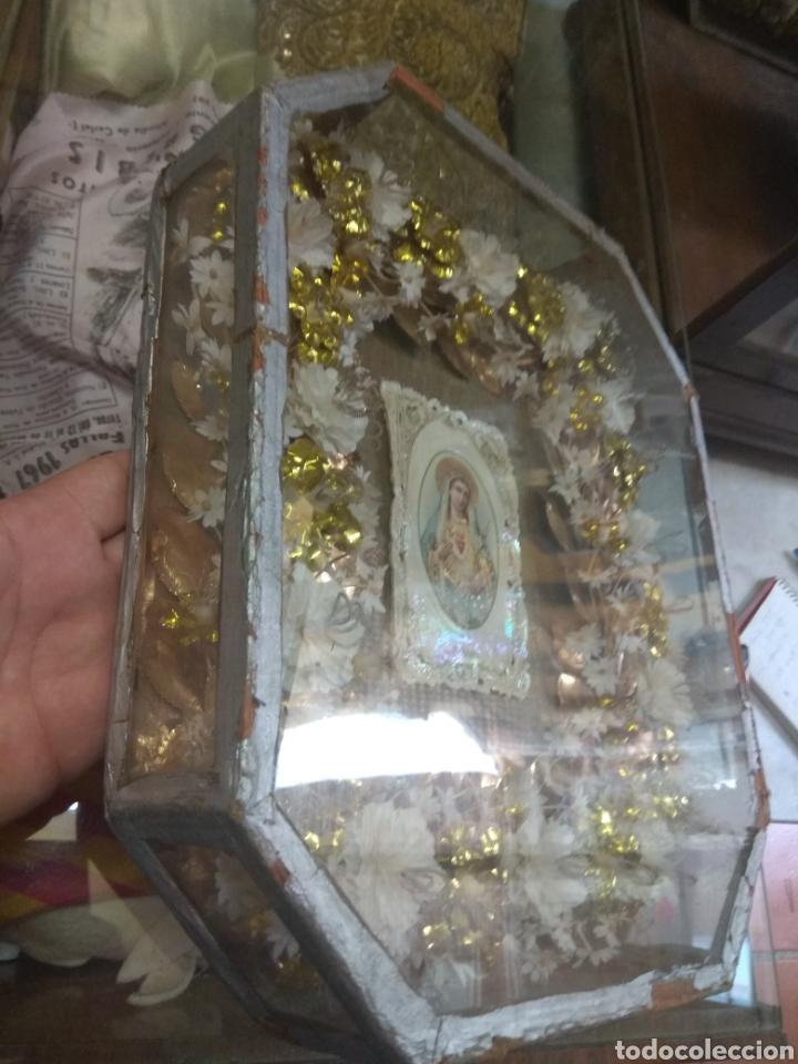 Antigüedades: Antigua Urna Religiosa con Flores Sagrado Corazón de María - Trabajo de Monja - - Foto 6 - 191322426
