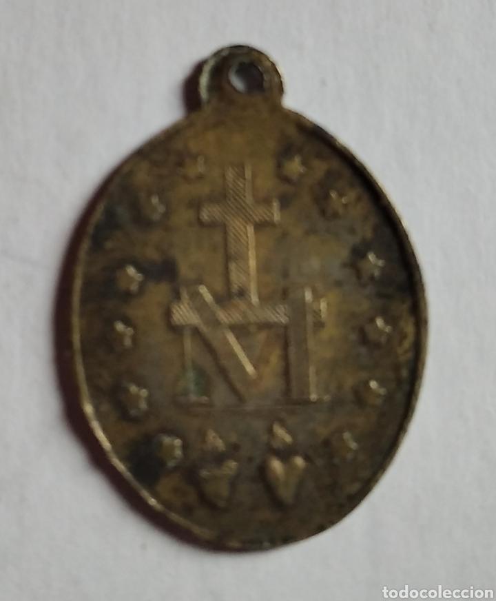 Antigüedades: medalla religiosa antigua virgen milagrosa siglo XIX / 18 x 25 cm - Foto 3 - 191358215