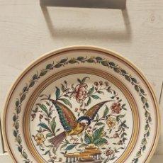Antigüedades: PLATO OUTEIRO AGUEDA PINTADO A MANO J.OLLVEIRA. Lote 191403367