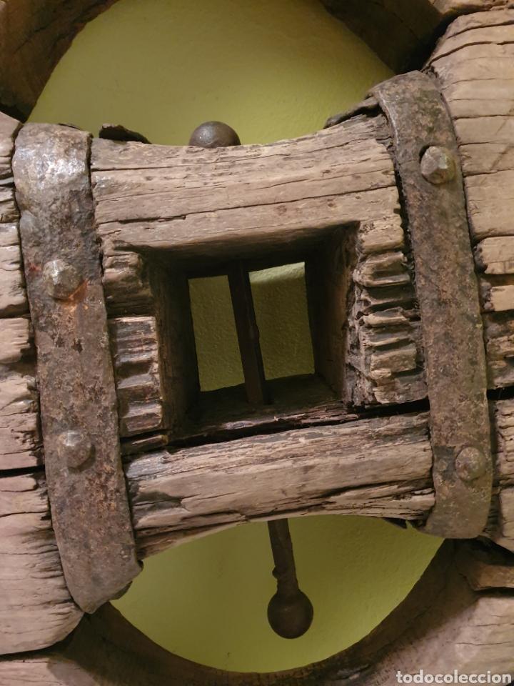 Antigüedades: RUEDA DE CARRO NORTEÑA MUY BIEN CONSERVADA S.XIX EL ENVIO SERIA POR CUENTA DEL COMPRADOR - Foto 5 - 191409556
