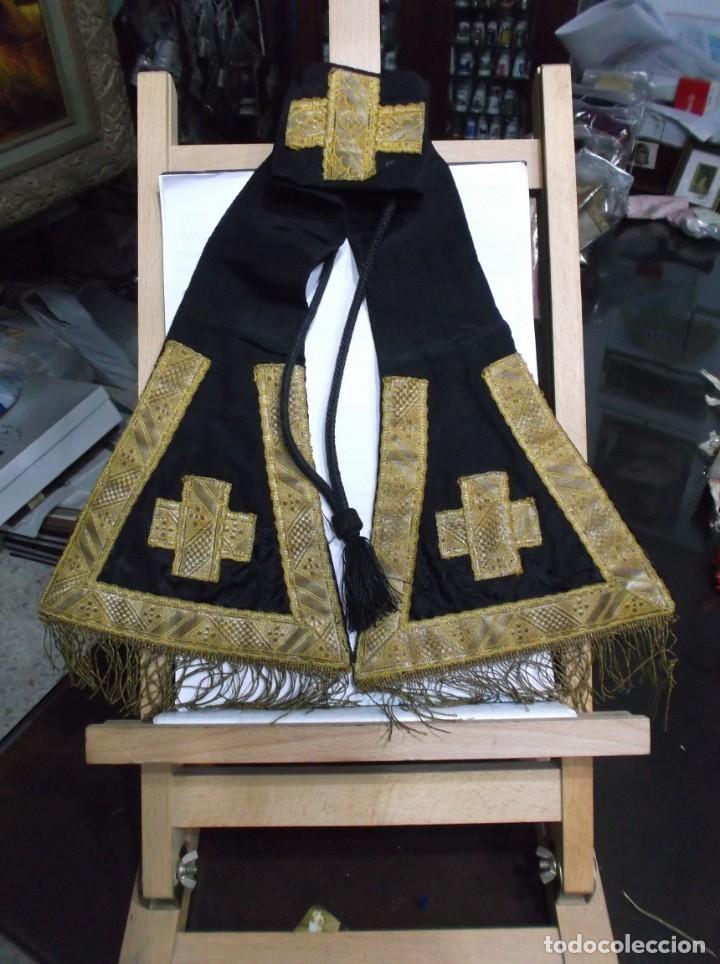 42 - MANIPULO SACERDOTAL NEGRO Y ORO (Antigüedades - Religiosas - Artículos Religiosos para Liturgias Antiguas)