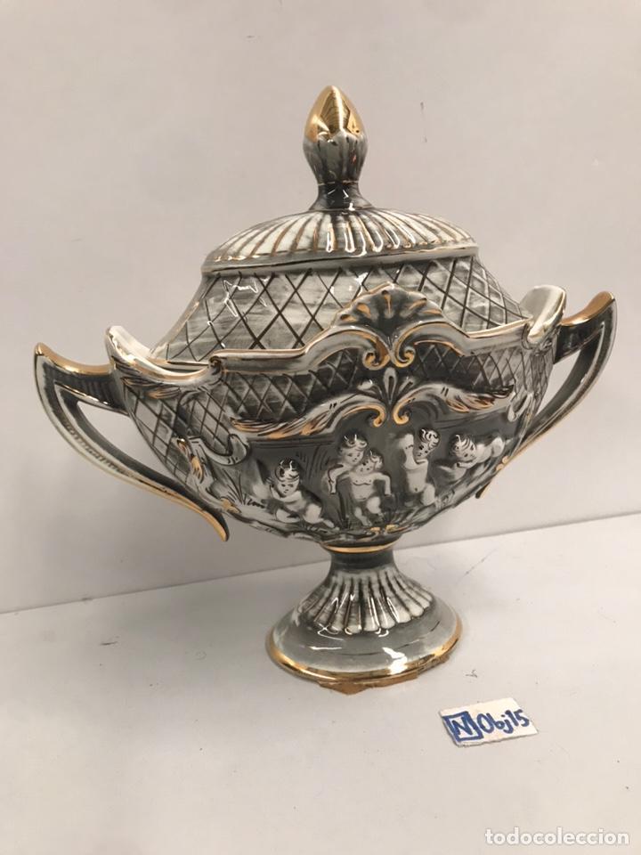 HERMOSA SOPERA DE PORCELANA - PORTUGAL (Antigüedades - Porcelanas y Cerámicas - Otras)
