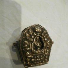Antigüedades: RELICARIO EN PLATA TIBETANA Y COBRE SIGLO XIX. Lote 191438332