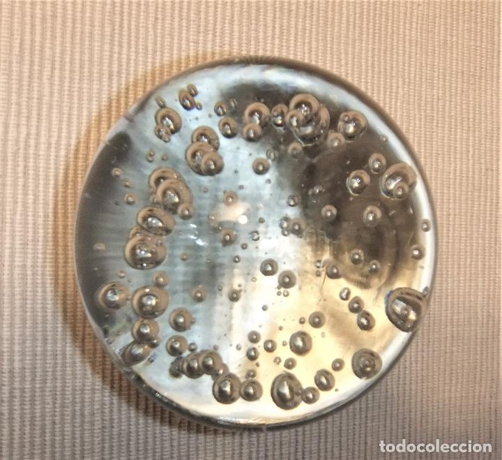 Antigüedades: BOLA PISAPAPELES CRISTAL MURANO TRANSPARENTE CON BURBUJAS - Foto 2 - 191450332