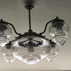 Antigüedades: BONITA LAMPARA DE TECHO CON GLOBOS DE CRISTAL. Lote 191498716