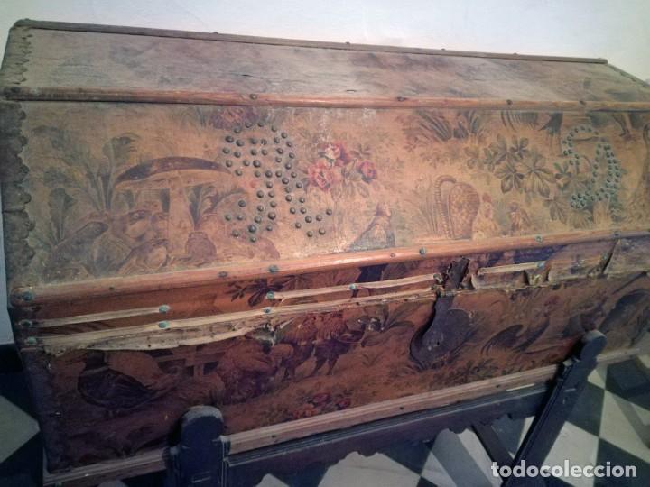Antigüedades: ANTIGUO BAÚL CON SOPORTE DE MADERA. - Foto 8 - 163972030