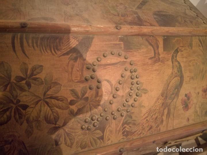 Antigüedades: ANTIGUO BAÚL CON SOPORTE DE MADERA. - Foto 9 - 163972030