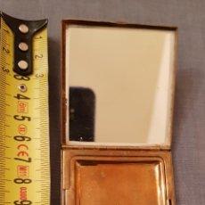 Antigüedades: ANTIGUA POLVERA METAL U.S.A.,AMERICA VER DETALLES Y FOTOGRAFIAS.. Lote 191528390