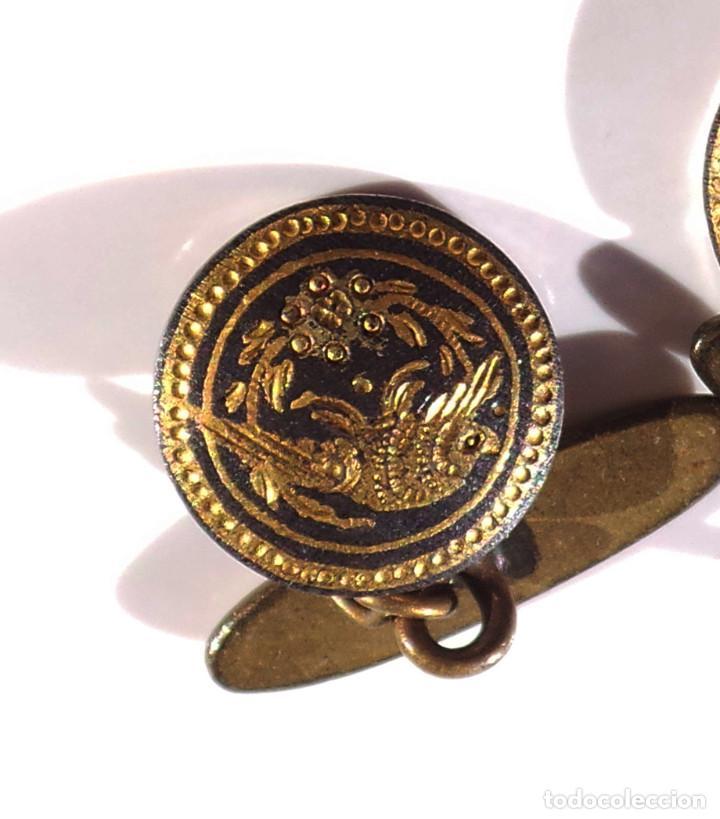 Antigüedades: GEMELOS DAMASQUINADOS CON GOLONDRINAS. - Foto 3 - 191531948