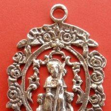 Antigüedades: BENDITERA COLGANTE DE PLATA FINALES S. XIX -APOSTOL SANTAGO-. DIM.- 8.35X4.3 CMS. 37.5 GRAMOS.. Lote 191534488