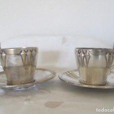 Antiquités: PAREJA DE ANTIGUAS TAZAS PARA CAFÉ O TE WMF. METAL CON BAÑO DE PLATA. Lote 191623335