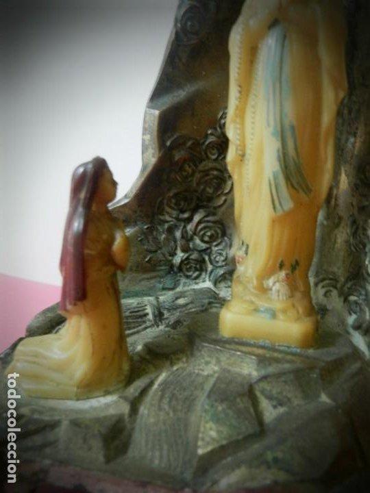 Antigüedades: VIRGEN LOURDES ANTIGUA APARICION DE LA VIRGEN EN LA GRUTA. SOUVENIR. EN METAL PESADO - Foto 3 - 191686400