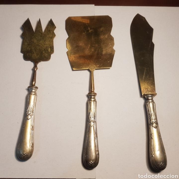 PRECIOSO JUEGO ART DECO PARA SERVICIO DE MESA EN ALPACA Y LATON (Antigüedades - Platería - Bañado en Plata Antiguo)