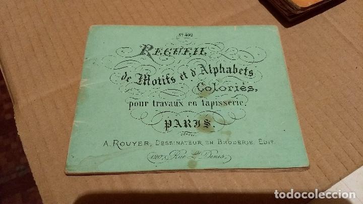 RECUEIL DE MOTIFS ET ALPHABETS COLORIÉS POUR TRAVAUX EN TAPISSERIE. PARIS 1876. ÁLBUM Nº 402 (Antigüedades - Moda - Otros)