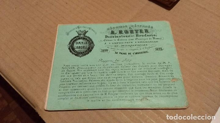 Antigüedades: Recueil de Motifs et Alphabets Coloriés Pour Travaux en Tapisserie. Paris 1876. Álbum Nº 402 - Foto 5 - 191733770