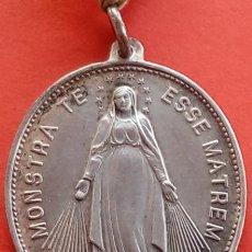 Antigüedades: MEDALLA ANTIGUA DE PLATA MONSTRA TE ESSE MATREM . DIM.- 4.1X2.9 CMS. PESO.- 11.7 GRAMOS. . Lote 191743356