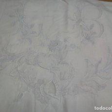 Antigüedades: *SABANA DE LINO CON GRAN BORDADO A MANO. 2,25 M. .(RF:LL-39/H). Lote 191767456