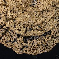 Antigüedades: SENSACIONAL BLONDA ANTIGUA DE ENCAJE DE ORO. Lote 191780097