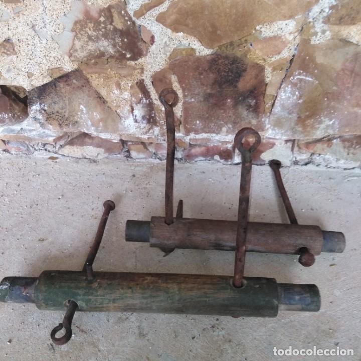 Antigüedades: Antiguo Utensilio agrícola, para tensar cuerdas o como para frenar un carro,poco visto, siglo xix - Foto 2 - 191799877