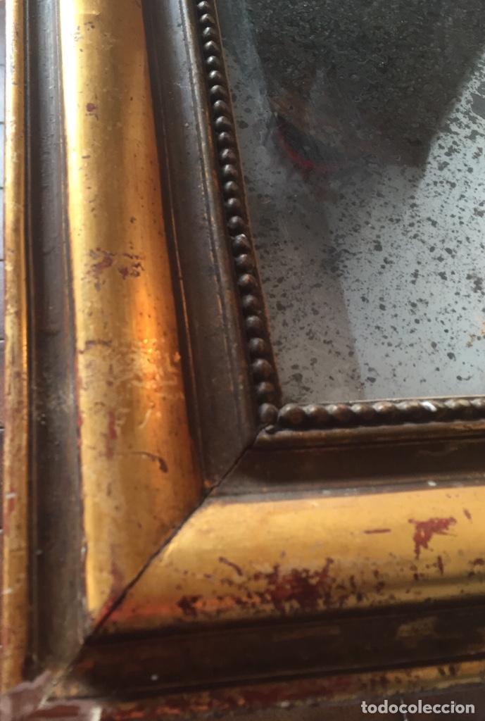 Antigüedades: Antiguo espejo Luis Felipe decorado con pan de oro de época madera maciza sin restaurar alguna falta - Foto 7 - 191805770