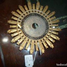 Antigüedades: GRAN CORONA METÁLICA PARA VIRGEN DORADA Y PLATEADA BUEN ESTADO MEDIDA 14,5 CM. DIÁMETRO. Lote 191828151