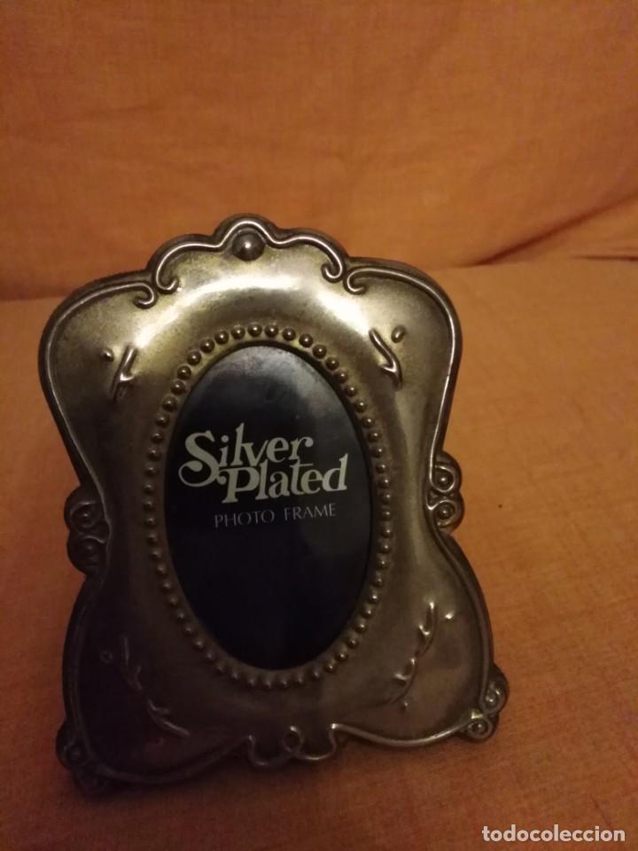 Antigüedades: Lote de 2 porta fotos Silver plated - Foto 2 - 191840365