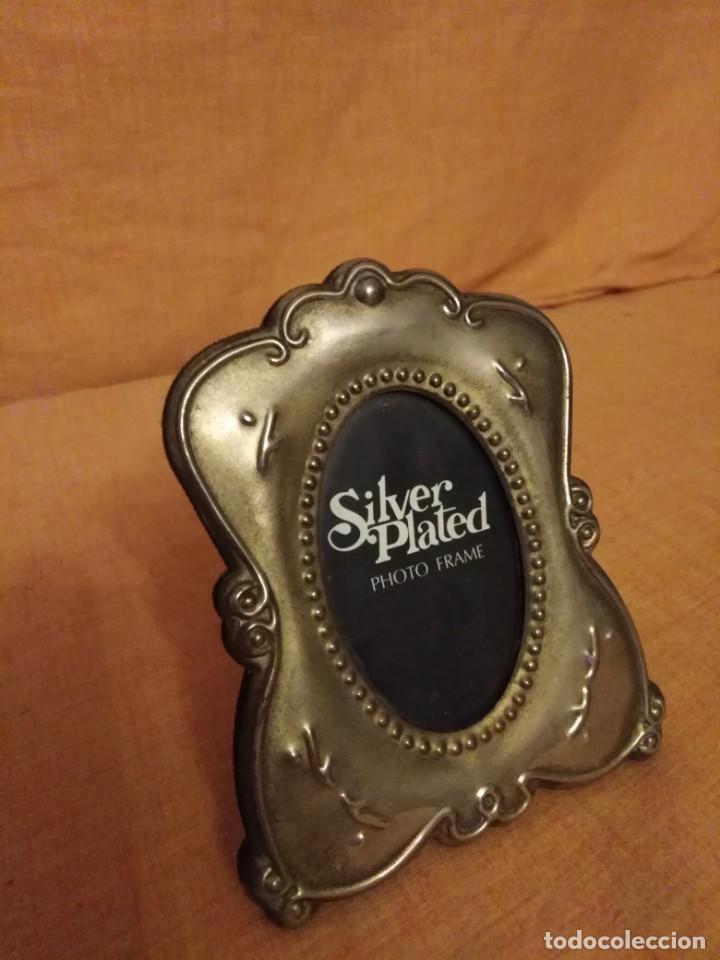 Antigüedades: Lote de 2 porta fotos Silver plated - Foto 4 - 191840365