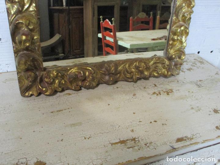 Antigüedades: Antiguo Espejo - Madera Tallada y Dorada en Pan de Oro - Posibilidad Horizontal, Vertical - S. XVIII - Foto 5 - 191861608