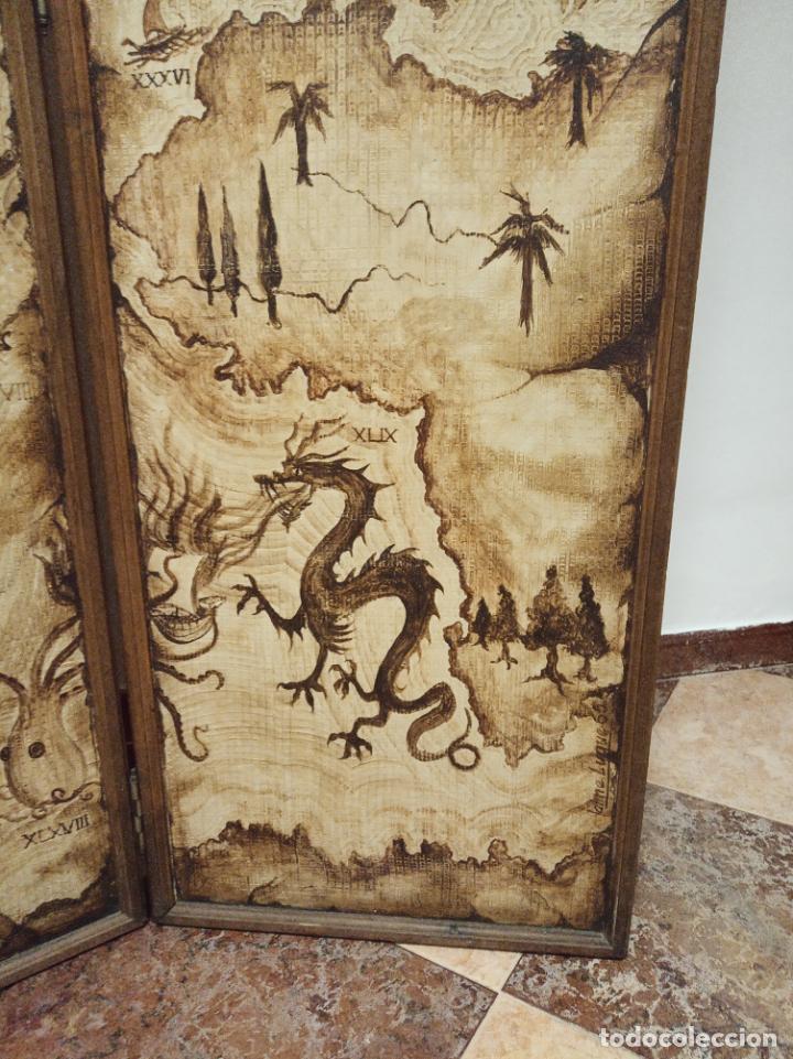 Antigüedades: Excepcional y único biombo pintado a mano. Cuadro por ambas caras. Pasajes históricos. Firmado. - Foto 12 - 191894133