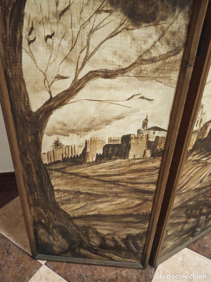 Antigüedades: Excepcional y único biombo pintado a mano. Cuadro por ambas caras. Pasajes históricos. Firmado. - Foto 14 - 191894133