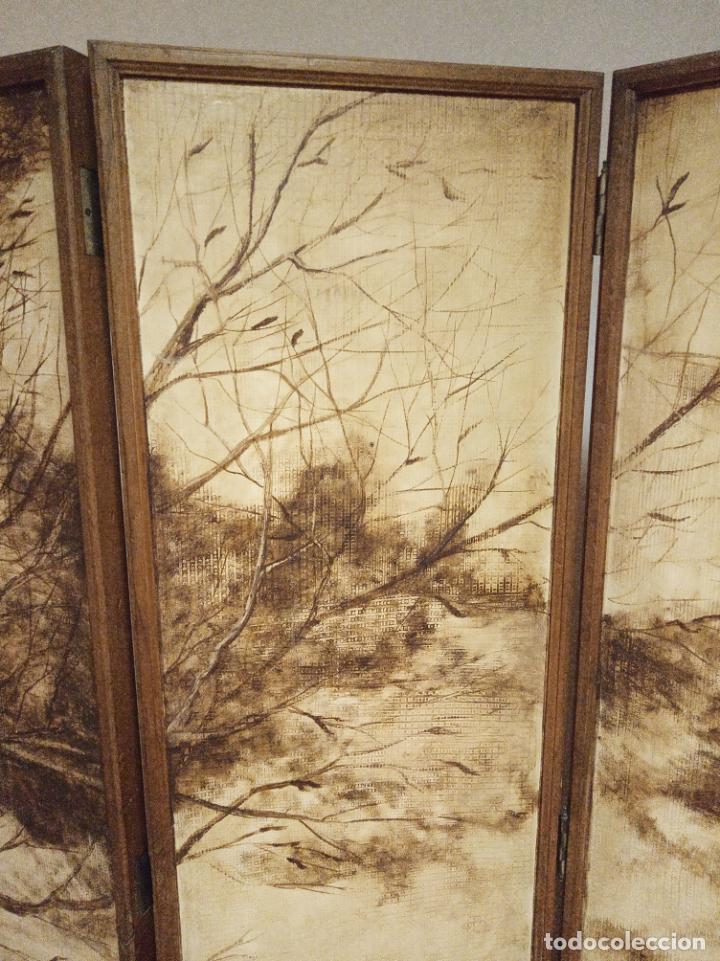Antigüedades: Excepcional y único biombo pintado a mano. Cuadro por ambas caras. Pasajes históricos. Firmado. - Foto 15 - 191894133