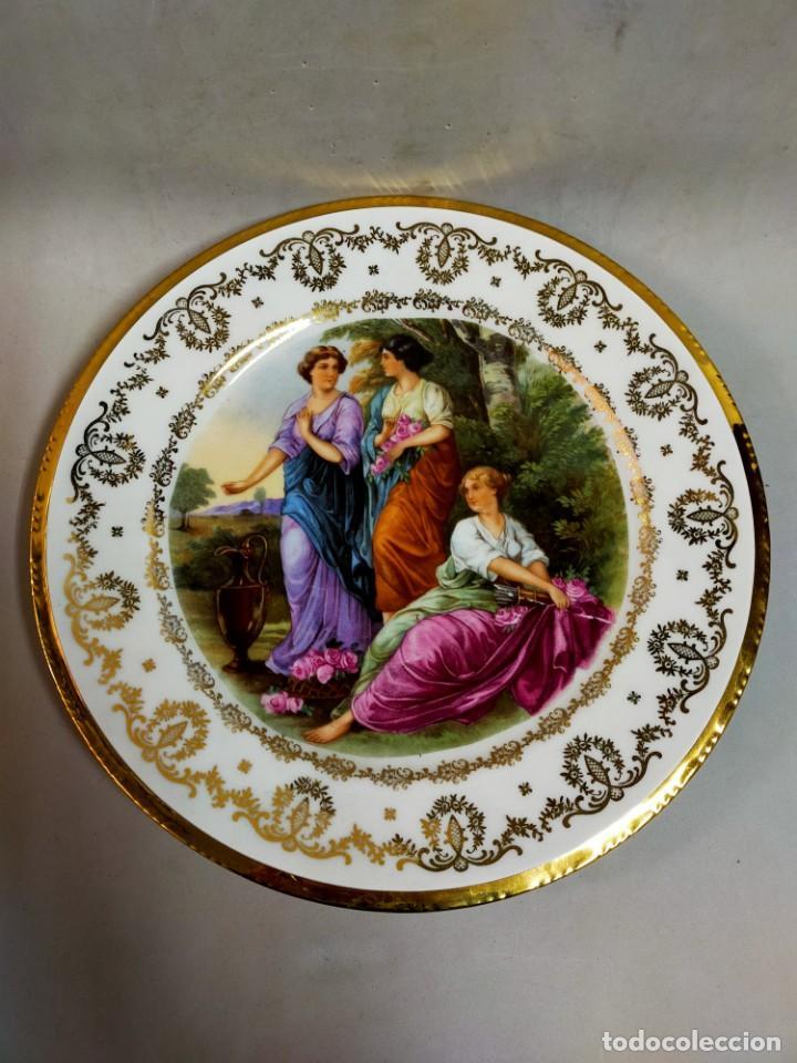 PLATO DE PORCELANA SANTA CLARA, VIGO, ESCENA FEMENINA (Antigüedades - Porcelanas y Cerámicas - Santa Clara)