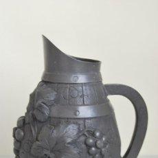 Antigüedades: PRECIOSA JARRA DE ESTAÑO PARA VINO - ETAINS D´ART - FIRMADA ALBERT CHEZAL - BROC RAISIN - PP. S.XX. Lote 191972867