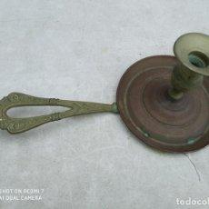Antigüedades: ANTIGUO CANDELABRO PORTAVELAS BRONCE CLASICO DECORACION VINTAGE. Lote 191982498