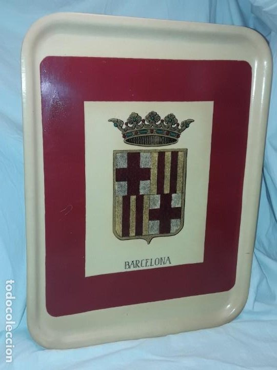 Antigüedades: Antigua bandeja con escudo de Barcelona - Foto 2 - 191985525