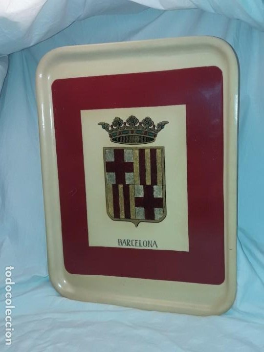 Antigüedades: Antigua bandeja con escudo de Barcelona - Foto 3 - 191985525