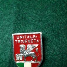 Antigüedades: INSIGNIA RELIGIOSA UNITALSI TRIVENDETA. Lote 192066098