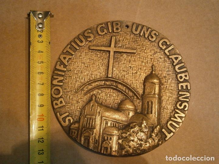 ¡¡PRECIOSO, MEDALLON,DE,METAL,,ST,BONIFATIUS GIB,UNS,GLAUBENSMUT (Antigüedades - Religiosas - Medallas Antiguas)