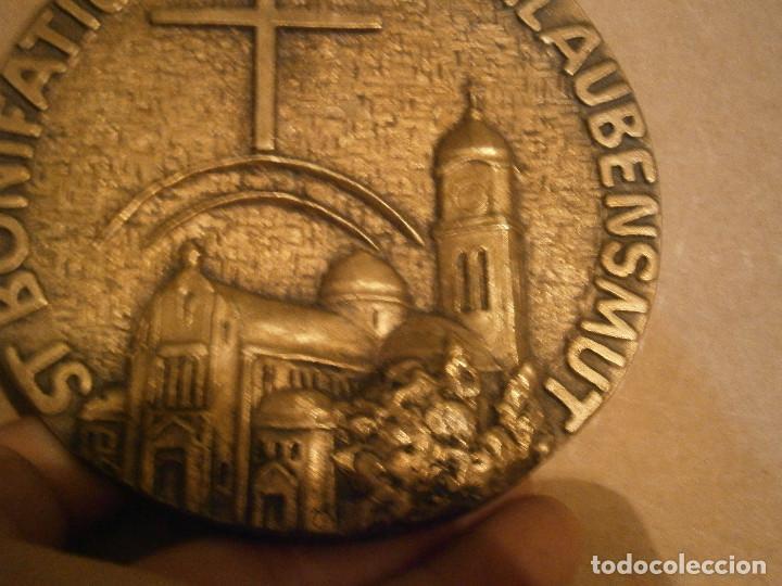 Antigüedades: ¡¡PRECIOSO, MEDALLON,DE,METAL,,ST,BONIFATIUS GIB,UNS,GLAUBENSMUT - Foto 3 - 192099693