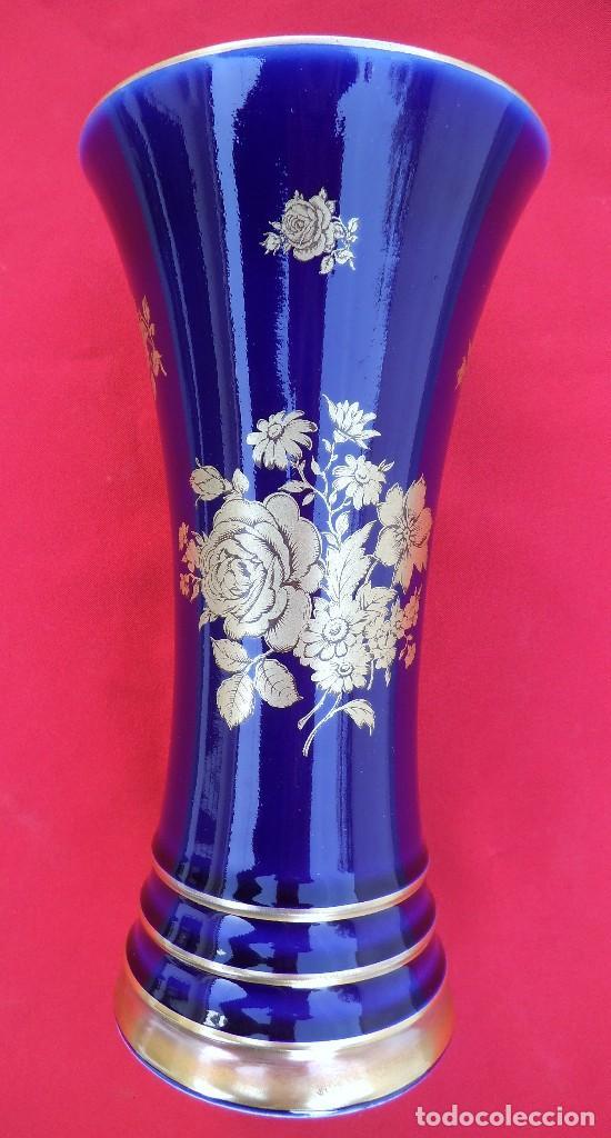 JARRON DE COBALTO Y ORO DE 24 K.MARCA ROYAL BAVARIA .MIDE 20 X 10,5 CTMS (Antigüedades - Porcelana y Cerámica - Alemana - Meissen)