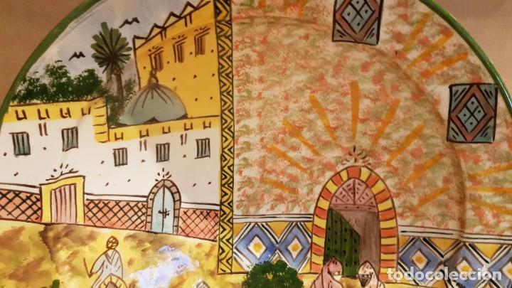 Antigüedades: GRAN PLATO-FUENTE-CUSCUSERA / CERÁMICA MARROQUÍ / DECORADO A MANO / SAFI / 35 CM Ø / PERFECTO. - Foto 3 - 192164201