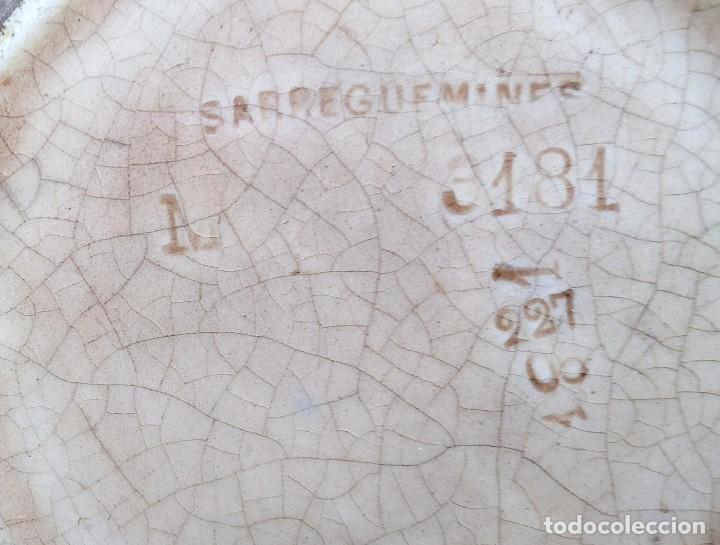 Antigüedades: Rara jarra de cerámica SARREGUEMINES nº 3181, cara grotesca de los años 1925-30. - Foto 7 - 192165285