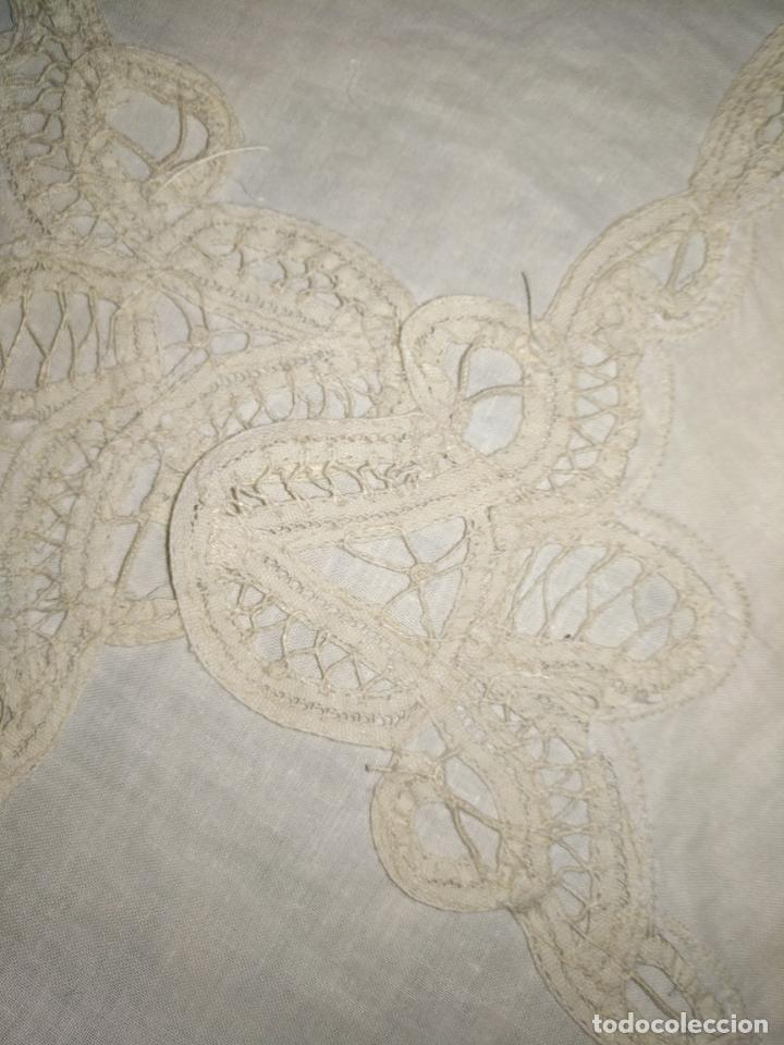 Antigüedades: 58x39 diametro tapete sudario bordado con encaje puntilla filo filtire 100x100 algodon ideal virgen - Foto 2 - 192183815